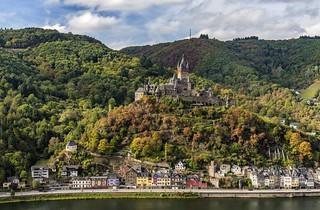 *Picturesque Cochem* - *Malerisches Cochem*