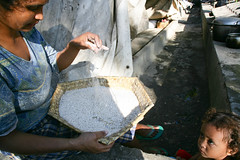 IDPs in Dili 3 june 2007.JPG-47 (undptimorleste) Tags: dildistrict idps internallydisplacedpeople metinaro