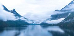 (Femme Peintre) Tags: geirangerfjord norwegen europa berge wasser wolken himmel spiegelung natur outdoor landschaft coth5