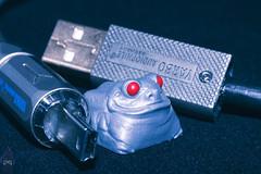 Heavy Metal Ribbit (iArson) Tags: bro caps brocaps ribbit cable red grey artisan