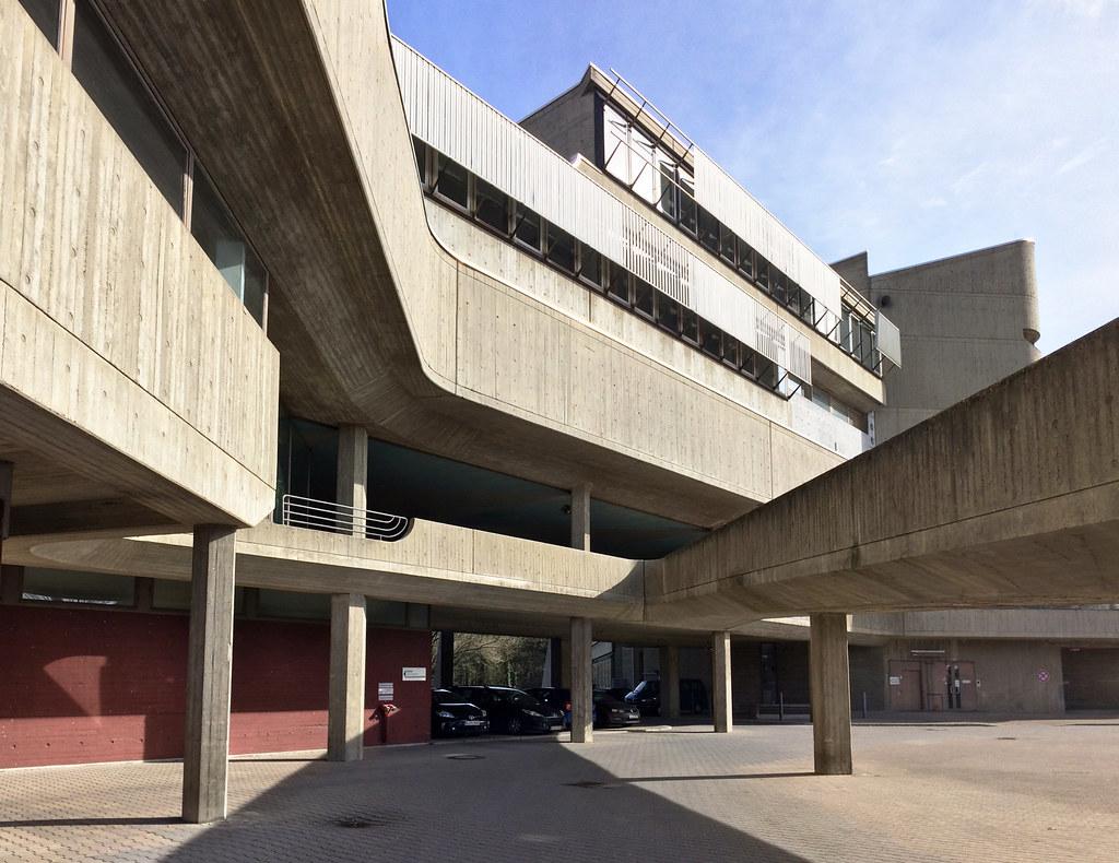 The world 39 s best photos of hindenburgdamm and lichterfelde for Architektur brutalismus