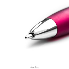 #HighKey #Pen (graser.robert) Tags: 11 germany high highkey instagram macromondays pointed robertgraser white color colorkey key lighttime minimal pen red single reinstädt thüringen deutschland de