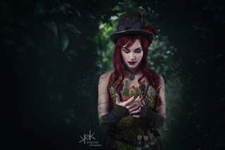 Steampunk Gotham Sirens: Maru Chan as Poison Ivy: I will protect you, plants!