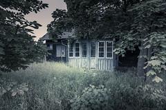 Gone elsewhere (Sizun Eye (OFF for a while)) Tags: abandonned house gone elsewere gdansk poland polen polska pologne dom sizuneye nikon d750 sobieszewo nikkor1424mmf28 1424mm atmosphere ambiance