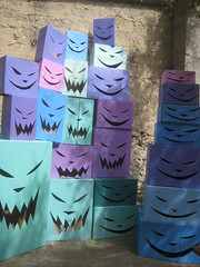 CAT mOnstres en carton 2017 AYS (mc1984) Tags: cat mc1984 monsters carton cardboard colors invasion installation art free