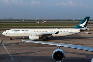 CATHAY PACIFIC A330-300 B-LAK 001