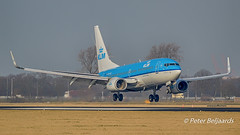 PH-BGI  Boeing 737-700 - KLM Royal Dutch Airlines (Peter Beljaards) Tags: phbgi 737700 boeing737700 boeing737 klm vink finch aircraft airplane passengerjet ams eham nikon