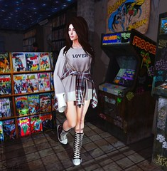 Teenage Blue - Dream Girl (Scarlett Rhea) Tags: comic books games machine arcade frogger teen