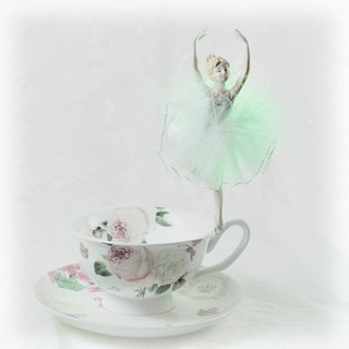 Dancing on a Teacup (Explored)