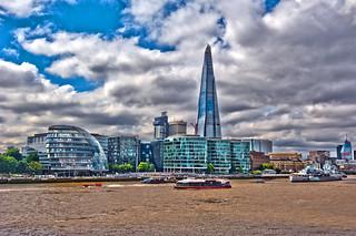 The Shared and the City hall. London 08.08.17, 14:13:04.Izakigur No. 6566.