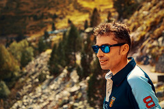 Javi (boni_villasirga) Tags: retrato portrait paisaje landscape francia france colo coour nature gafas de sol sunglasses ray ban azul water montaña montana mountain pirineo pyrenees néouvielle réserve naturelle du gente