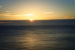 enfin le soleil... (2) (8pl) Tags: leverdesoleil sunrise eau ciel soleil matin tôt printemps nature sark sercq seascape paysage