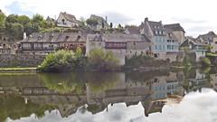 DSCN6265 Argentat (Corrèze) (Thomas The Baguette) Tags: cantal auvergne france basilique mauriac notredamedesmiracles puysaintmary puy leclou vicsurcere toursdemerle soult argentat correze chastaigne barrage aigle thiezac