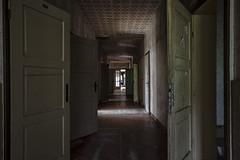 Flur2 (rh.urbex) Tags: lostplace lost abandoned verlassen urbex urbanexplorer urbanexploring