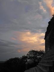 Templo de la Serpiente Bicéfala (Alveart) Tags: guatemala suramerica southamerica latinoamerica latinamerica centroamerica centralamerica alveartluisalveart tropics tropico tikal peten reservadelabiosferamaya unescoworldheritage patrimoniodelahumanidad templos temples maya parquenacionaltikal selvadelpetenguatemala