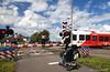 Spoorwegovergang (Pieter Musterd) Tags: spoorwegovergang arriva spurt scootmobiel publictransport openbaarvervoer train trein grijpskerk groningen poelweg stationsweg pietermusterd musterd canon pmusterdziggonl nederland holland nl canon5dmarkii canon5d bicycleholiday2017