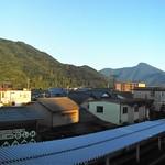 panorama train platforms, late July parallel mountains thumbnail