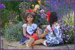 Milina und Setina ... (Kindergartenkinder) Tags: sommer blumen personen grugapark essen kindergartenkinder garten blume park annette himstedt dolls milina setina
