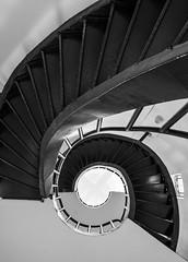 Spiral Stairs of Las Peñas' Lighthouse (Guayaquil, Ecuador. Gustavo Thomas © 2017) (Gustavo Thomas) Tags: escaleras stairs escalerasdecaracol spiralstairs blackandwhite monochrome faro lighthouse symmetry simetría espiral spiral monoart mono blancoynegro bnw guayaquil ecuador abstract geometry geometría laspeñas