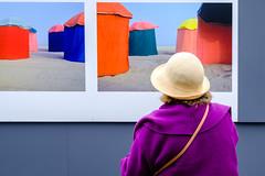 Art Exhibition (Bilderschachtel Photography) Tags: street streetphotography strasenfotografie streetlife france brittany citylife city contrast candid colourful flickr fujifilm fuji art exhibition visionsofstreet streetlab0711 xt10 xphotographer