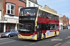 East Yorkshire 806, BF67GHJ. (EYBusman) Tags: east yorkshire motor services eyms hull bus coach brand new promenade bridlington town centre mcv evoseti 121 scarborough volvo b5tl bf67ghj eybusman