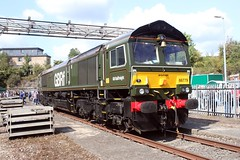 GBFr 66779 Old Oak Common 2nd September 2017  E1880 (focus- transport) Tags: trains old oak common open day classes 31 47 50 57 180 800 d british railways br oliver cromwell tornado colas gbfr gbrf gwr hst rail operations group railcar diesel steam great western railway high speed train gb freight
