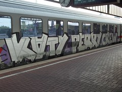 KATY PERRY CREW (mkorsakov) Tags: dortmund hbf bahnhof mainstation graffiti train zug ic intercity kpc katyperrycrew woohoo silber silver oldschool