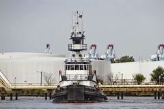 r_170921299_beat0057_a (Mitch Waxman) Tags: killvankull newyorkcity newyorkharbor statenisland tugboat newyork