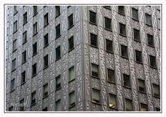 Metálico (Alicia B,) Tags: newyork manhattan usa arquitectura window ventanas