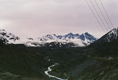 .like high mountains. (Camila Guerreiro) Tags: film lomo pentaxmesuper mountains camilaguerreiro cajondelmaipo chile lomography colornegativef²400 snow analog grain