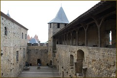 Castillo de Carcasona (Francia, 2-8-2011) (Juanje Orío) Tags: carcasona francia france 2011 castillo castle fortaleza fortress patrimoniodelahumanidad worldheritage whl0345