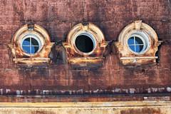 Valparaiso 7348  as seen by #ArturoNahum (Arturo Nahum) Tags: valparaiso chile arturonahum travel viajes unescoworldheritagesite windows ventanas uhd 4k roof rust rusty