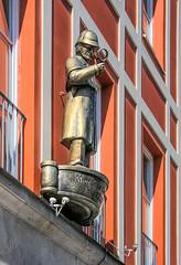 Detektei (epemsl) Tags: münchen fassadenwerbung