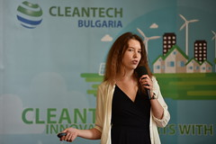 Journey 2017 Final pitch in Sofia 4 2017 Photo credit PhotoSynthesis място за фотография, хора и идеи