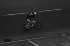 Cyclist (Jotha Garcia) Tags: cyclist ciclista barrido blancoynegro blackwhite jothagarcia nikond3200 nikkor5502000mmf4056 bicycle bicicleta escaladegrises unmundoenblancoynegro julio july summer verano 2017 sport monochrome