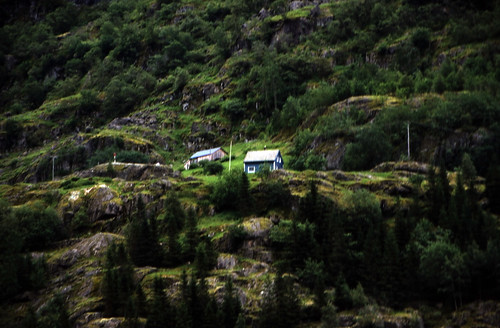 "Norwegen 1998 (174) Nærøyfjord • <a style=""font-size:0.8em;"" href=""http://www.flickr.com/photos/69570948@N04/36494827233/"" target=""_blank"">View on Flickr</a>"