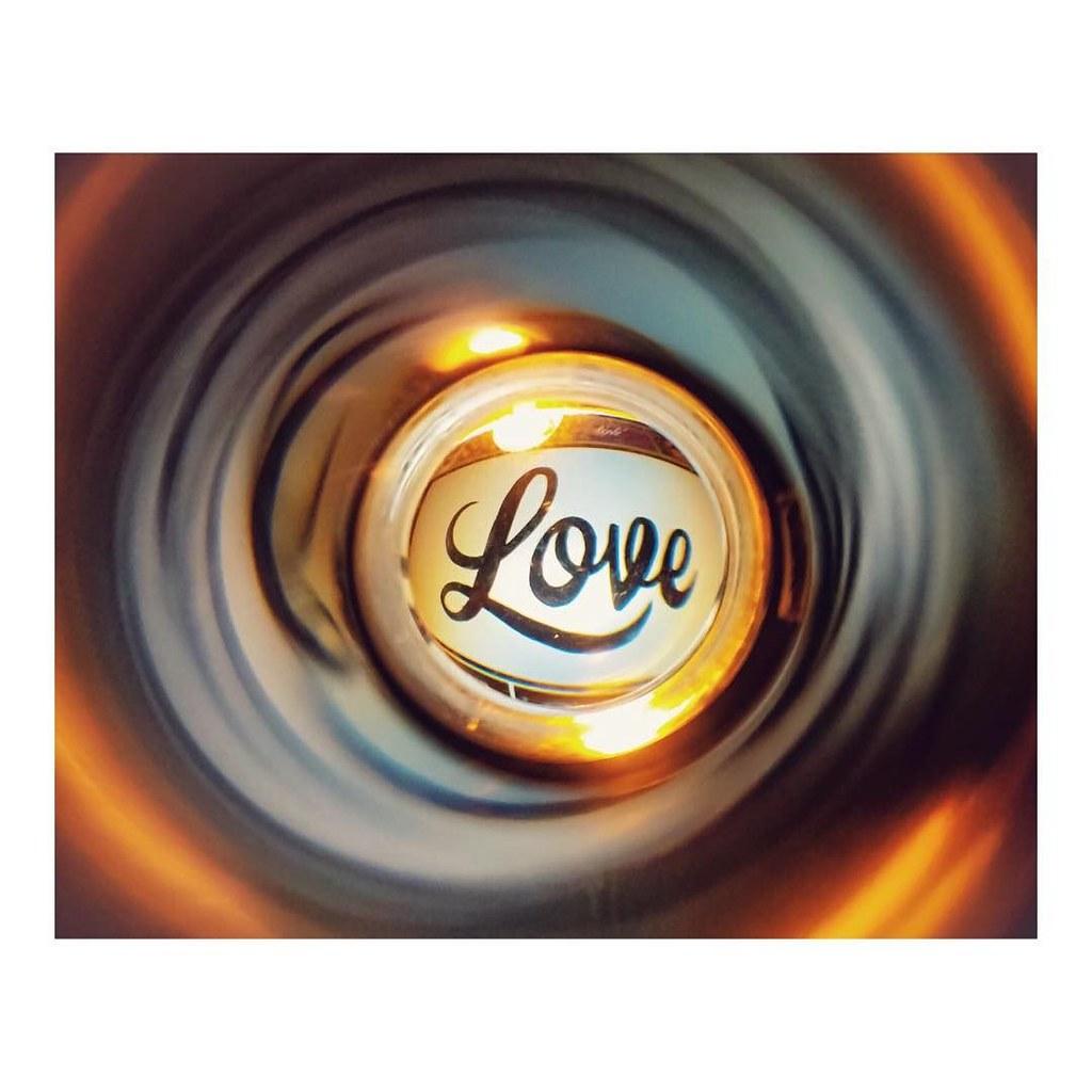 A cup full of love _ un vaso lleno de amor dedicado a las v ctimas