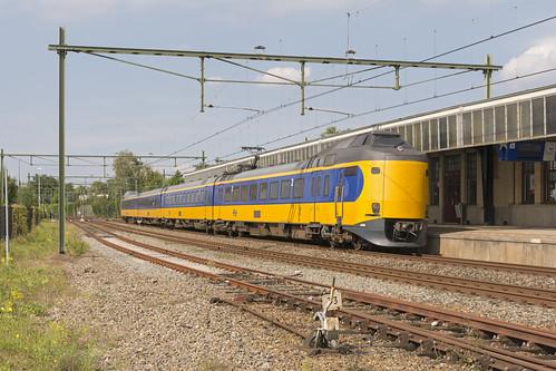 Naarden-Bussum ICMm 4208 IC 1557 Amsterdam-Amersfoort