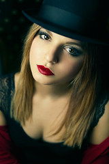 Moulin Rouge (Giulia Valente) Tags: portrait portraits portraiture ritratto woman beauty beautiful look red lips eyes calm story hat romance romantic
