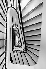 triangle staircase (jeffclouet) Tags: paris france europe nikon nikkor d7100 escaleras escalier gradas steps staircase stairs triangle triangulo monochrome bw nb pb architecture arquitectura abstract abstrait abstracto urban urbain urbano cuidad ville city symmetry perspective grafico graphic graphique geometric geometrico geometrique hole moderno moderne modern capital