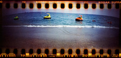 beachlife (Ulla M.) Tags: beach beachlife sprocketrocket selfdeveloped selbstentwickelt sprocketholes umphotoart panoramaformat analog canoscan8800f lomo freihand analogue film kleinbild 35mm mittelmeer mediterraneansea ishootfilm