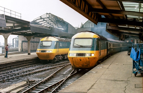 HSTs - Newcastle - January 1985