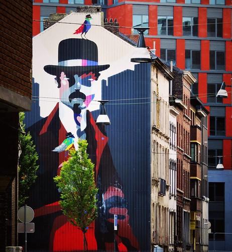 #sundaylook / #Art by #SozyOne. #Charleroi #belgium #streetart #graffiti #urbanart #graffitiart #urbanart_daily #graffitiart_daily #streetarteverywhere #streetart_daily #wallart #mural #ilovestreetart #igersstreetart #streetartbel #igersbe #rsa_graffiti #