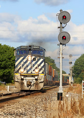 BCOL 4645 @ Valparaiso, IN (Michael Polk) Tags: canadian national ge general electric c449wl c408m cowl cab barn unit searchlight signal grand trunk western train freight q149 valparaiso indiana