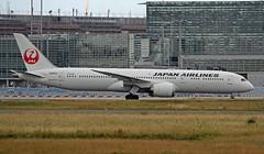 JA865J EDDF 17-06-2017 (Burmarrad (Mark) Camenzuli) Tags: airline japan airlines jal aircraft boeing 7879 dreamliner registration ja865j cn 38138 eddf 17062017