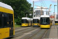 Europa, Deutschland, Berlin, Tiergarten, Moabit, Emma-Herwegh-Straße (Bernhard Kußmagk) Tags: europa deutschland berlin tiergarten moabit emmaherweghstrase europe bvg bonde eléctrico raitioliikenne sporvei sporvogn spårväg streetcar tram tramm tramvaiul trolley tramvay tramwaj villamos tramway tramwaje tranvia trikk трамвай τραμ tranbia ट्राम 市内電車 tranvía spårvagn tramvajus tramvajs tramvia tranvai raitiovaunu strasenbahn 有轨电车 duitsland γερμανία njemačka 德国 tyskland גרמניה jerman germania германия 독일 germany allemagne vācija vokietija niemcy alemanha nemačka nemecko nemčija alemania almanya ألمانيا जर्मनी saksa