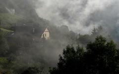 mon village dans la brume (bulbocode909) Tags: valais suisse chalets forêts arbres nature montagnes brume vert