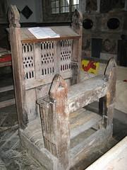 pew-inside-the-orld-church