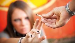 Droghe, alcol ed altri eccessi: le paure dei genitori (Cudriec) Tags: adolescenza alcool droga eccessi paure