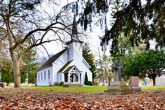 Mohawk Chapel, Brantford, Canada (leo_li's Photography) Tags: fall autumn chapel church 安大略省 教堂 hermajestysroyalchapelofthemohawks mohawkchapel brantford canada ontario 加拿大